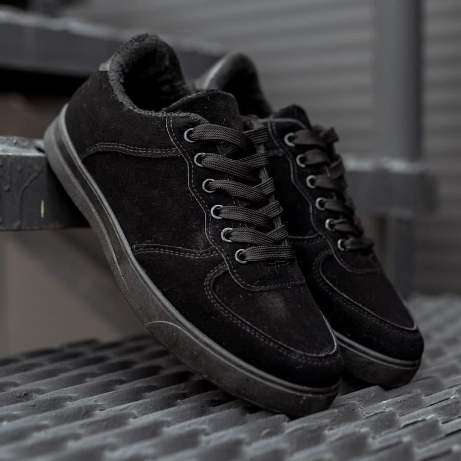 Зимние кроссовки на меху all black